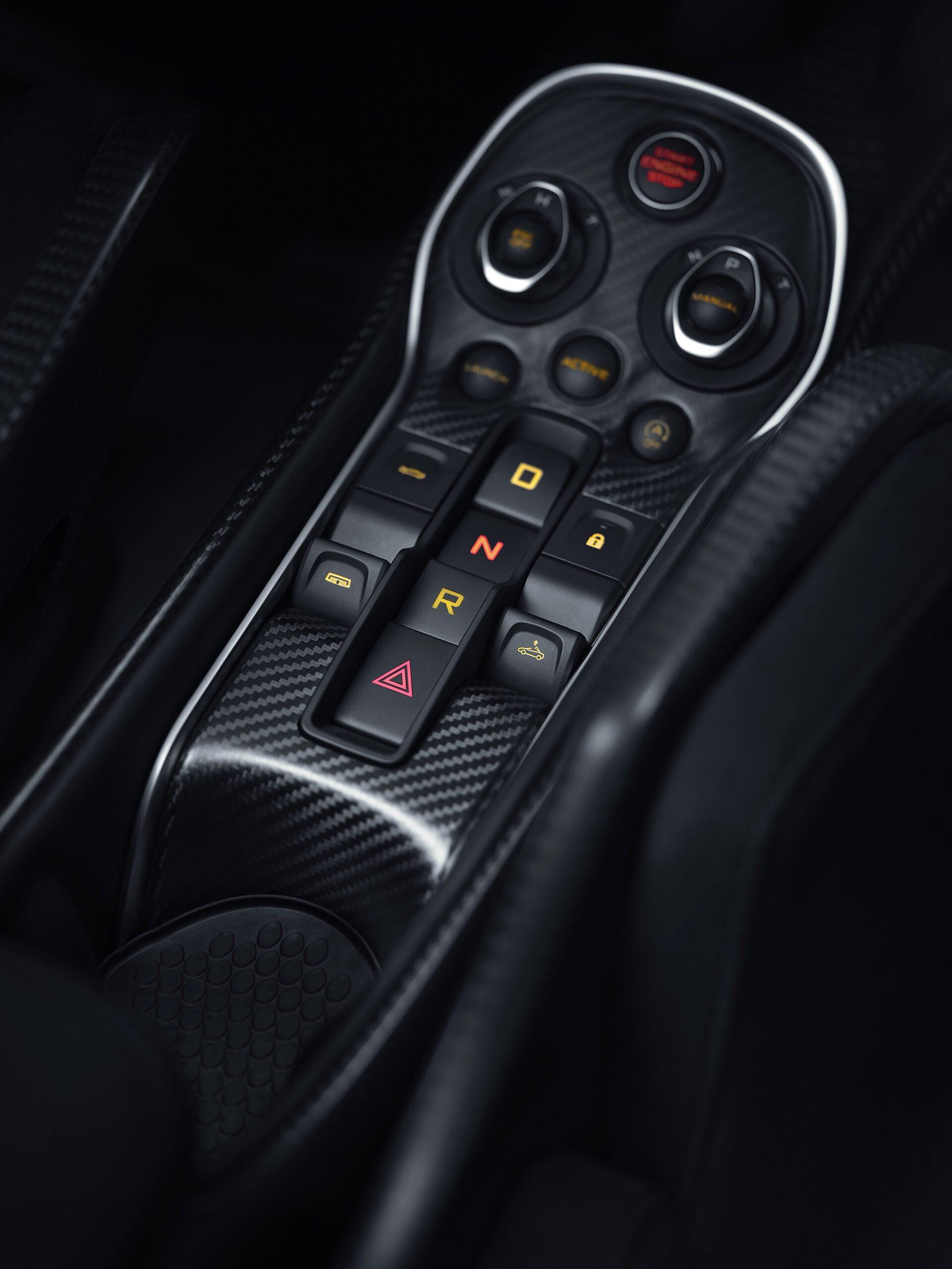 McLaren_600LT_Spider_Louwman_Exclusive_Interior-2