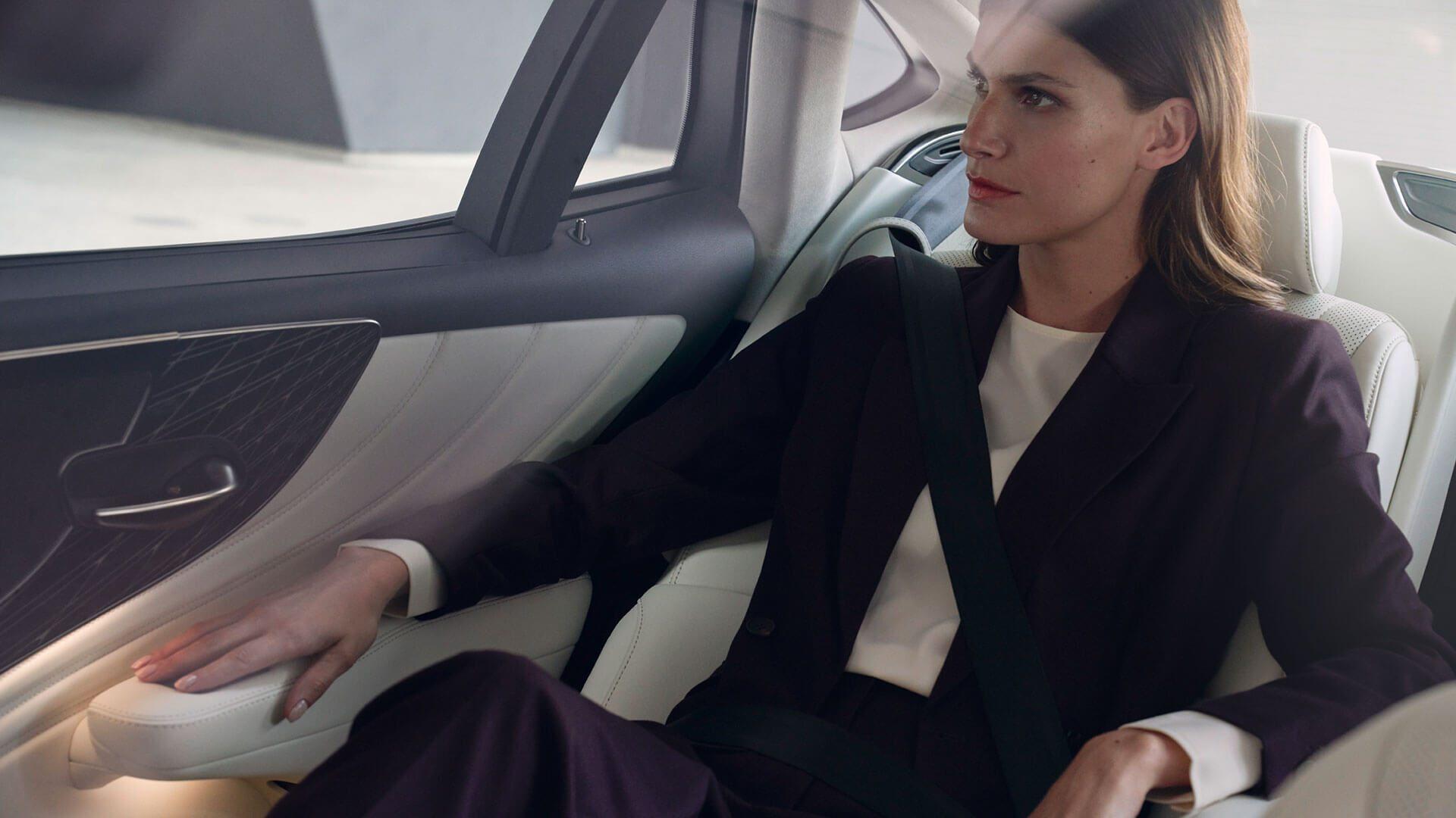 Lexus_LS_Louwman_Exclusive_Interior2