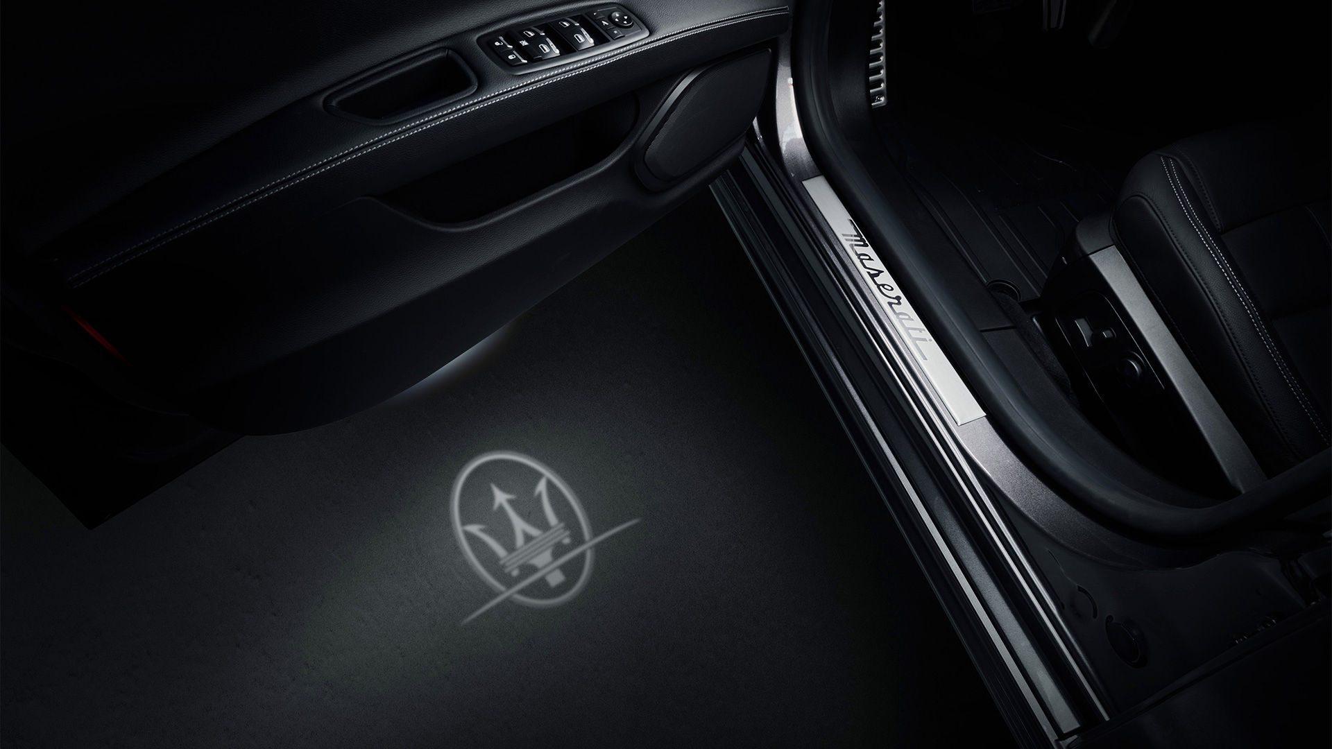 De ultieme personalisatie van jouw Quattroporte! Keuze uit het Maserati- of Tridente-logo om de elegantie en sportiviteit extra te benadrukken.