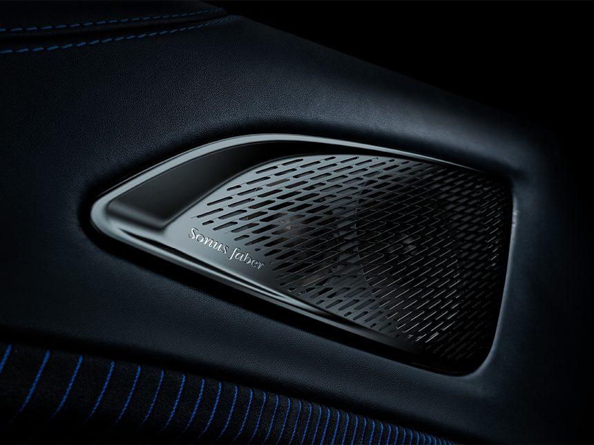 De MC20 klinkt op zichzelf al fantastisch, maar de auto is ook de eerste Maserati met het optionele Sonus Faber High-Premium Audio System.