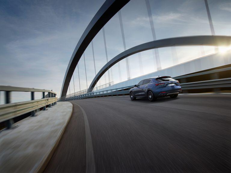De Maserati Levante Hybrid vind je bij Louwman Exclusive
