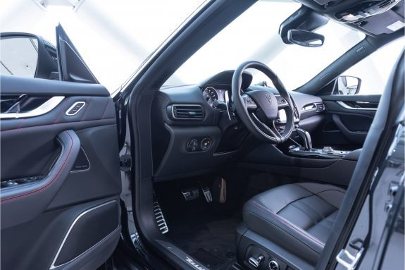 Maserati Levante 3.0 V6 S AWD GranSport   MY21   Sunroof   MaseratiConnect   – Foto 3