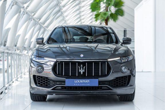 "Maserati Levante 3.0 V6 D AWD   Louwman Exclusive geleverd   Sunroof   Harman Kardon   21"" Wheels – Foto 5"