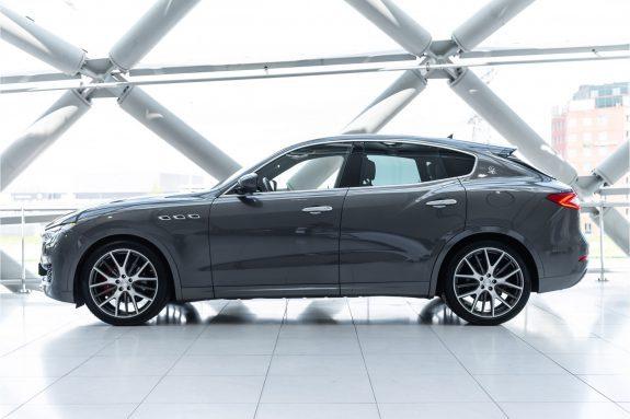"Maserati Levante 3.0 V6 D AWD   Louwman Exclusive geleverd   Sunroof   Harman Kardon   21"" Wheels – Foto 7"