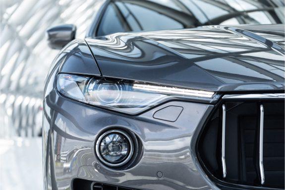 "Maserati Levante 3.0 V6 D AWD   Louwman Exclusive geleverd   Sunroof   Harman Kardon   21"" Wheels – Foto 13"