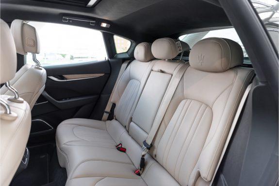 "Maserati Levante 3.0 V6 D AWD   Louwman Exclusive geleverd   Sunroof   Harman Kardon   21"" Wheels – Foto 25"