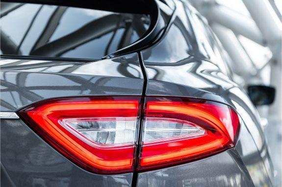 "Maserati Levante 3.0 V6 D AWD   Louwman Exclusive geleverd   Sunroof   Harman Kardon   21"" Wheels – Foto 27"