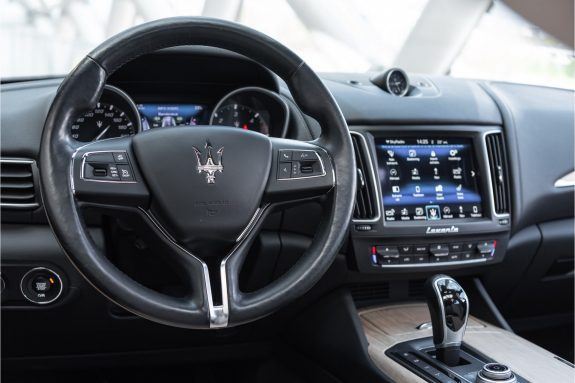 "Maserati Levante 3.0 V6 D AWD   Louwman Exclusive geleverd   Sunroof   Harman Kardon   21"" Wheels – Foto 29"
