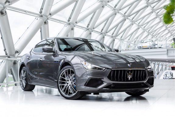 Maserati Ghibli Hybrid MY21 GranSport   Harman Kardon   Sunroof   Carbon Trim